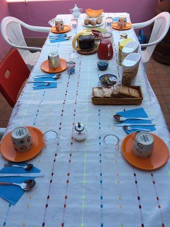 B&B Cuore di Giulietta: Breakfast spread