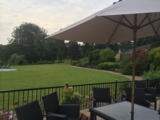 Bagden Hall Hotel: Lovely views towards the lakeside rooms