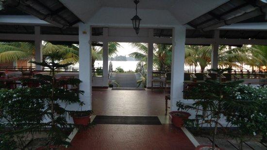 Riverine Resort : Dining area