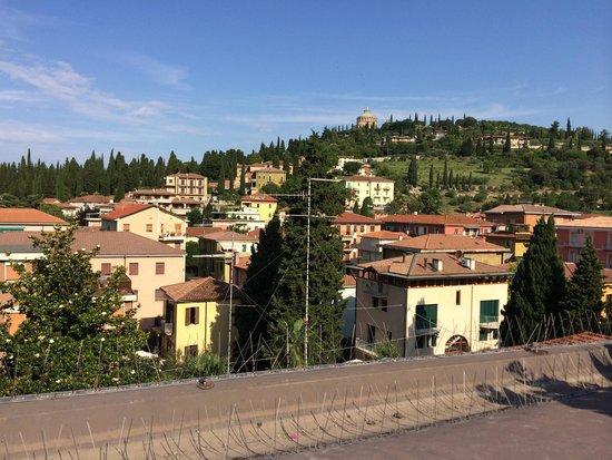 B&B Cuore di Giulietta: A view from patio in the morning