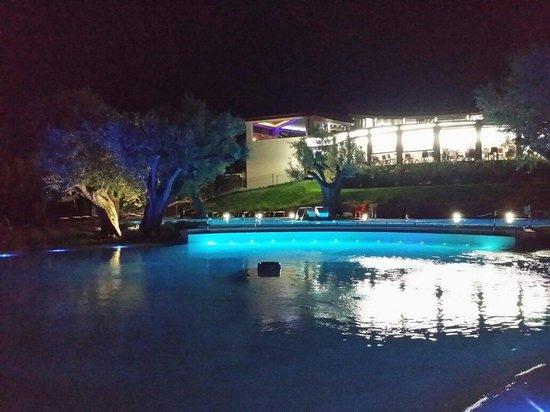 Villaggio Blue Marine: Piscina con idromassaggio. .3