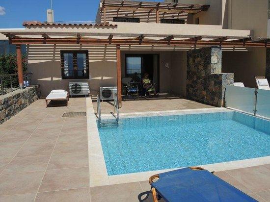 Miramare Resort & Spa : Room 631 pool. Bedroom on left. Living room on right.