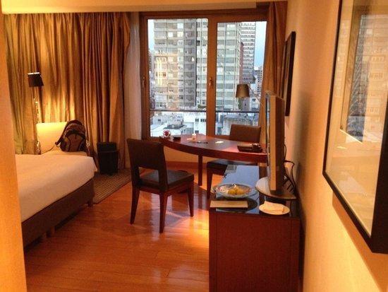 Palacio Duhau - Park Hyatt Buenos Aires: Spacious bedroom