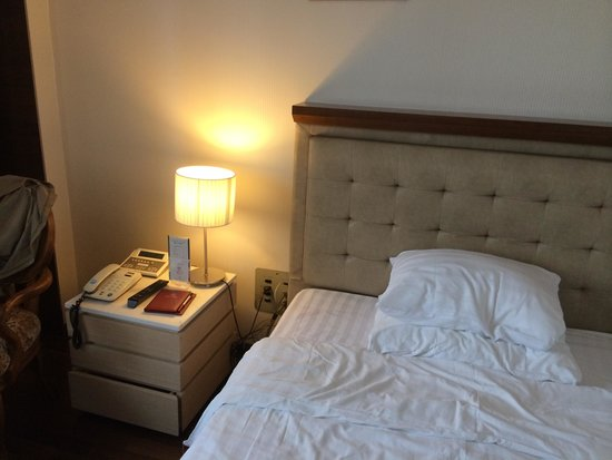 Hotel Samjung : ベッド