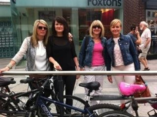 Mind The Gap Tours: Lovely day with friends