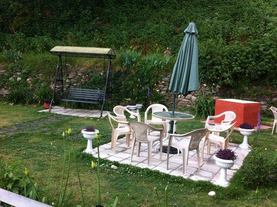 Marley Villa: Garden