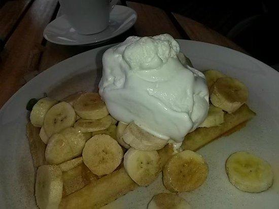 The Waffle House: Banana waffle