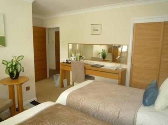 Willow Springs Bed & Breakfast: Alan Room with ensuite bathroom