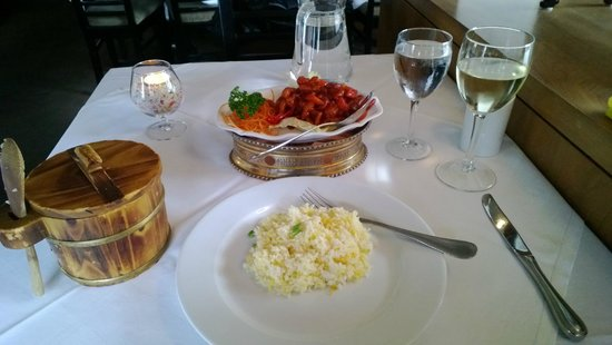Royal Park Restaurant: Peking Chicken & Egg fried rice