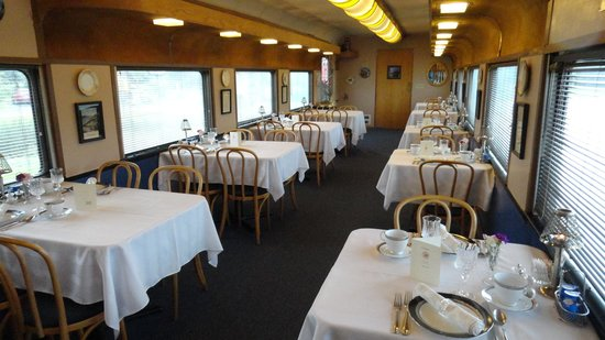 Red Caboose Getaway: The Dining Car for breakfast