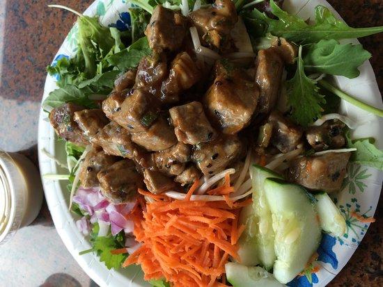 Kilauea Fish Market: Poke salad