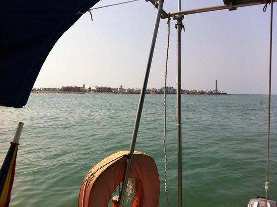 el faro de Chipiona desde el mar