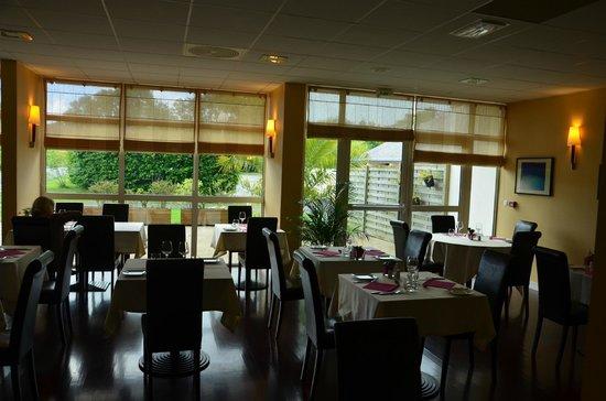 Hôtel Kerloc'h Gwen : Salle à manger du soir
