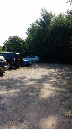 Europa Gatwick Hotel : Secure parking? Dont think so