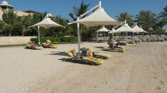 Traders Hotel, Qaryat Al Beri, Abu Dhabi: Lido fantastico