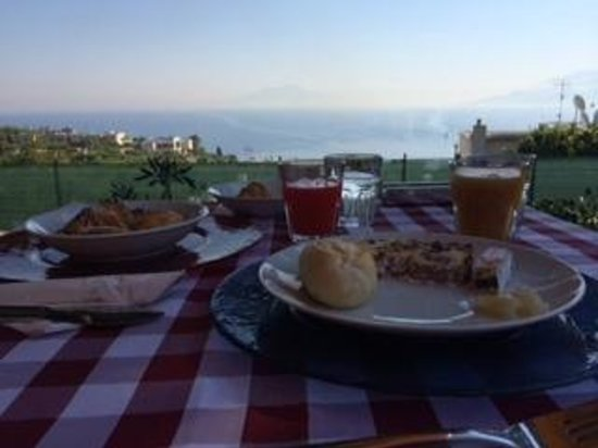 Capri Wine Hotel: Breakfast