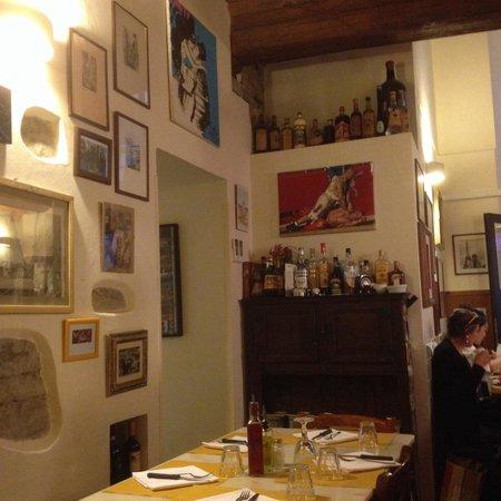 Vini e Vecchi Sapori : Small but cozy