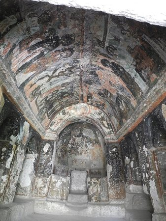 Soganli Valley : Old frescos are wonderful, if marred by graffiti.