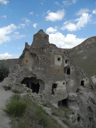 Soganli Valley : The intricate church of the dome - worth the climb!