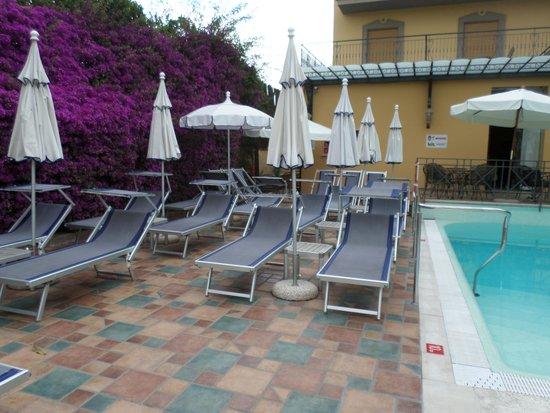 Hotel Zi Teresa: nice area to sunbath, sun terrace on roof also