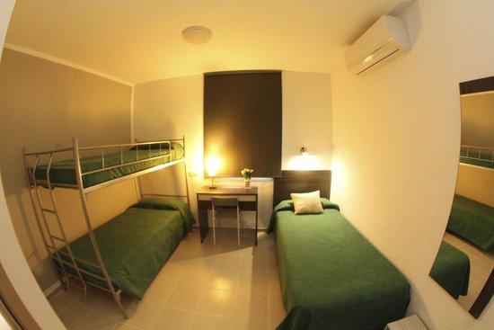 Hostal Tahiti: habitación cúadruple