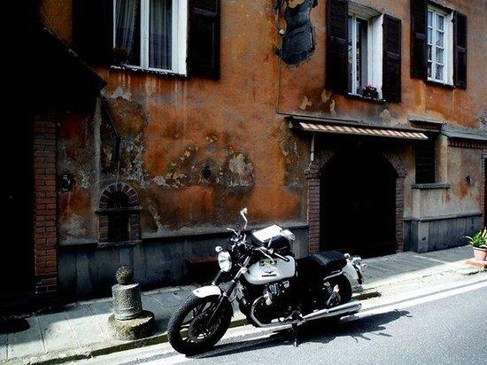 HILLS & WHEELS Torino - Motorcycle, Scooter, Car and Van Rental