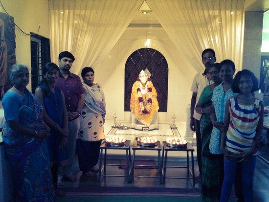 Sri Sai Baba Samadhi Mandir: FAMILY PHOTO