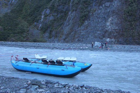 Fox Glacier Guiding: Pulley operated raft