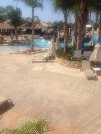 Olympic Lagoon Resort: Adult pool area