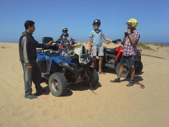 Essa-Evasion: fantastic day ! Quad biking with our guide Mohammed in Diabat