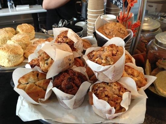 Deli Adrift: Don't the muffins look delicious????