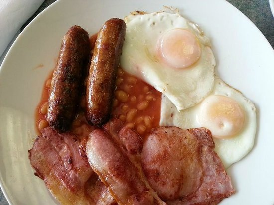 The Happy Chef: a good £5.50 breakfast..you can't see the toast and cuppa mind !!