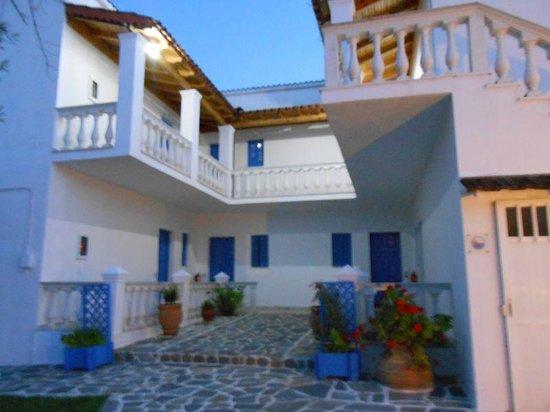 Blue Gardens Apartments: Accomodation area