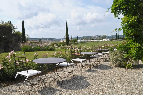 Relais Sant'Elena: Tavolini con panorama
