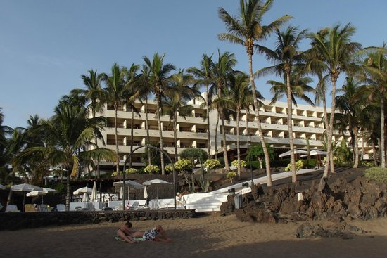 Los Fariones Hotel: Hotel looks to the ocean