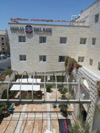 Hotel Prima Palace: Vue sur l'entrée