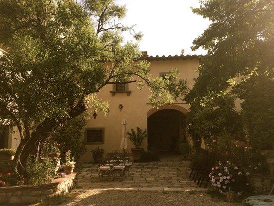 Villa Il Paradisino : Asunnot sijaitsevat vanhassa tallirakennuksessa