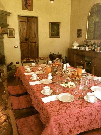 Villa Il Paradisino: Brunssi on katettu