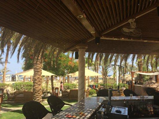 Hilton Sharm El Sheikh Fayrouz Resort : View from Pool Bar