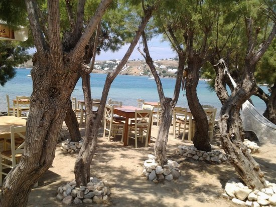 Ephesus: lunchby the sea