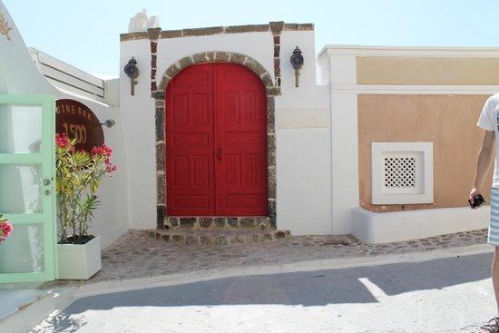 Aigialos Hotel: Entry way
