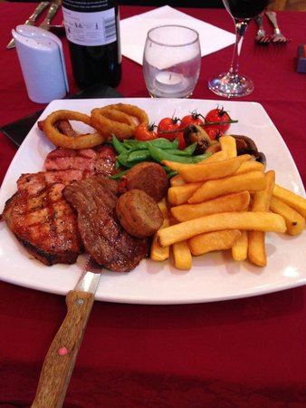 The Waterwheel Inn : lovely mixed grill