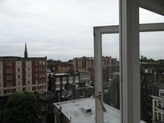 Berjaya Eden Park London Hotel : View from room