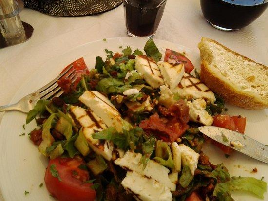 Mama's House : Mama's salad