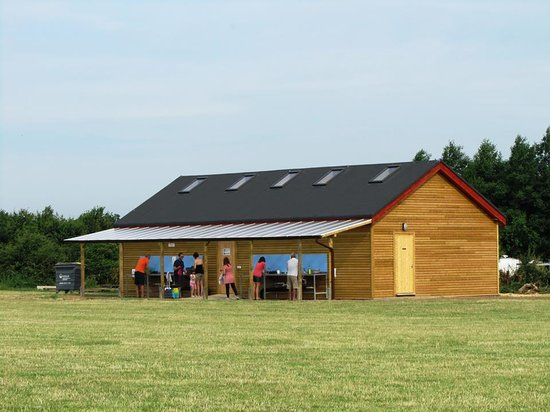 Brook Meadow: Purpose built Shower & Toilet block with disabled facilities, perfect for camping or caravanners