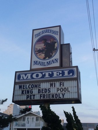 Barefoot Mailman : Motel Sign