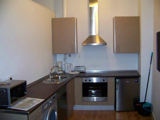 Castellar Singular Apartments: cucina