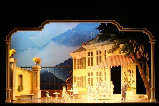 Lyric Opera of Chicago : The Sound of Music