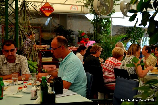 Ristorante da Gino: the terrace open winter and summer