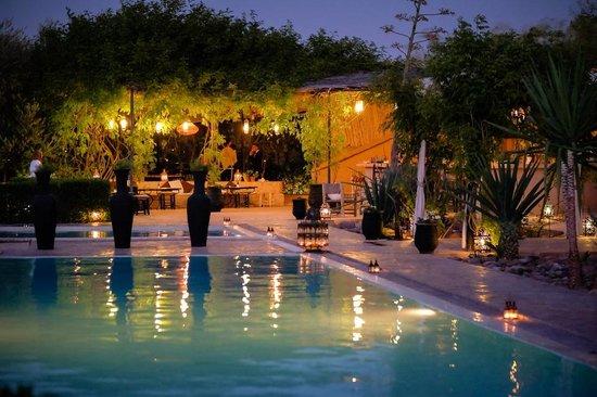Fawakay Villas: Pool